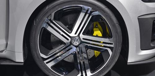 Volkswagen khai tử Golf R400 - 3