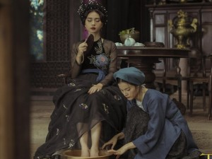 """Bạn gái Quốc Cường mong manh trong """"Tấm Cám"""""""