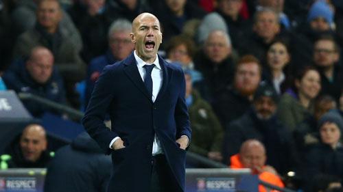 "Real: Lý do khiến Zidane ""ghẻ lạnh"" Isco & James - 2"