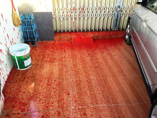 Nhà của phóng viên báo Người Lao Động bị khủng bố - 1