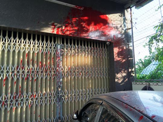 Nhà của phóng viên báo Người Lao Động bị khủng bố - 3