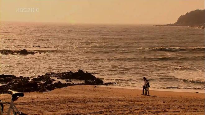 Những cảnh biển đẹp nhất trong phim Hàn - 13