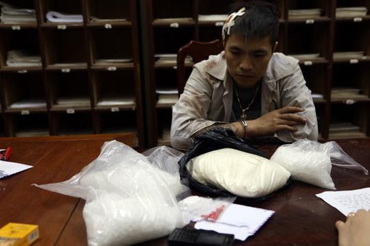 """Trùm ma túy bắn trả công an vây bắt có cả """"kho"""" vũ khí - 1"""