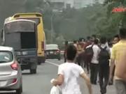Video An ninh - Dòng người đổ về nghỉ lễ, giao thông Hà Nội hỗn loạn