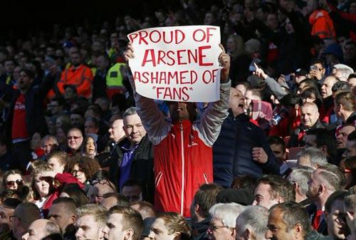 """Ủng hộ Wenger, CĐV Arsenal mắng fan """"phong trào"""" - 1"""
