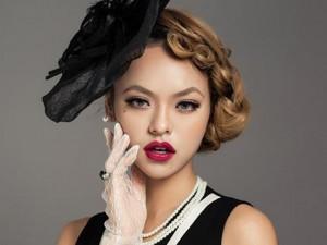 """Quỳnh Mai """"siêu vòng 3"""": """"Tôi không bị cấm diễn"""""""