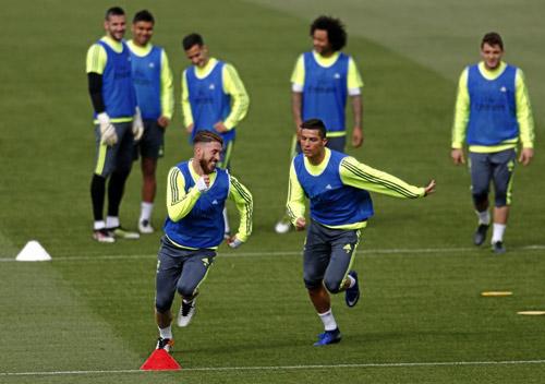 Ronaldo chạy phăm phăm, chờ quyết đấu Man City - 2