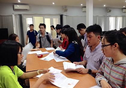 Thí sinh tự do đăng ký thi THPT tại TP.HCM giảm 50% - 1