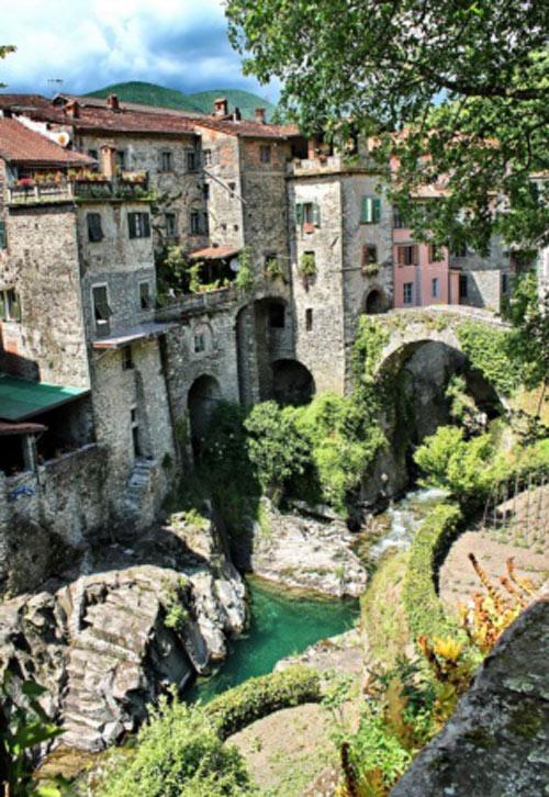 15 ngôi làng cổ tích bạn sẽ không nghĩ có trong thực tế - 15