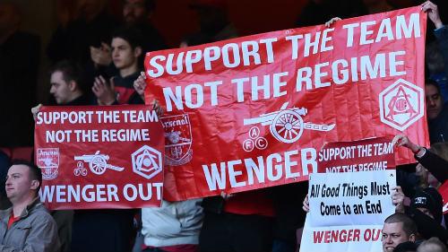 Chốt tương lai Wenger, fan Arsenal thở phào - 1