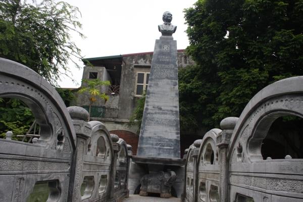 Cận cảnh khu lăng mộ của đại gia đất Cảng - 6