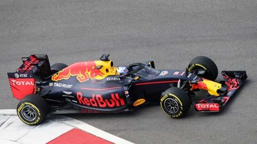 """F1, Russian GP: """"Sao quả tạ"""" ám hại Vettel - 2"""