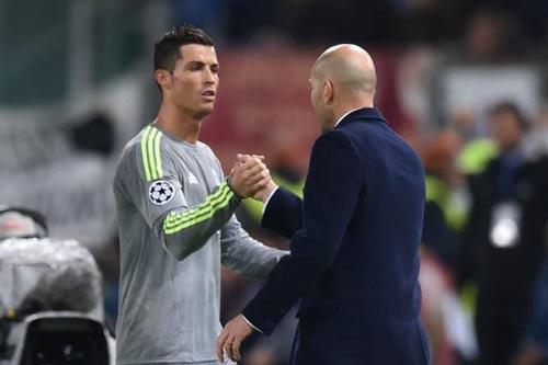 Ronaldo đã hết đau, Benzema dễ nghỉ trận gặp Man City - 2