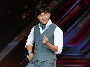 """""""Bản sao Bi Rain"""" khiến giám khảo X-Factor """"căng não"""""""