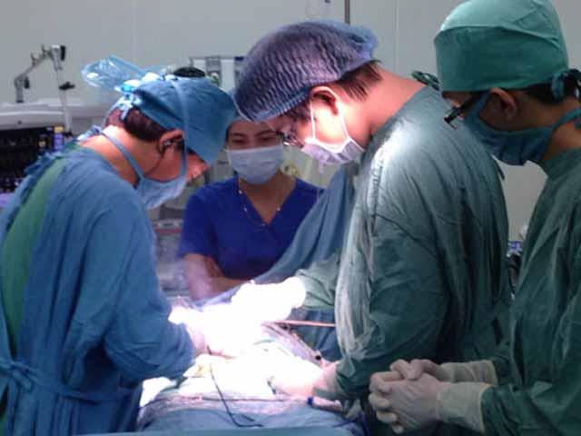 """""""Để quên"""" kim phẫu thuật trong bụng bệnh nhân 15 năm - 1"""