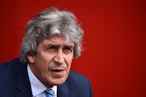 HLV Man City dự đoán Leicester sẽ sụp đổ mùa sau - 1