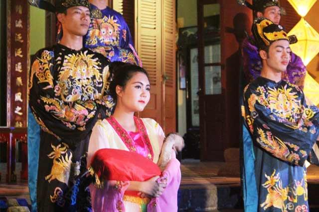 """Dự """"đám cưới công chúa trong hoàng cung"""" tại Festival Huế - 3"""