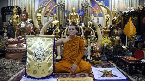 "Leicester City vô địch, Kiatisak & người Thái ""phát sốt"" - 4"