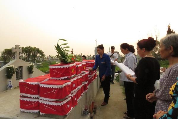 Người đàn bà nhặt rác và câu chuyện bên nghĩa địa thai nhi - 1