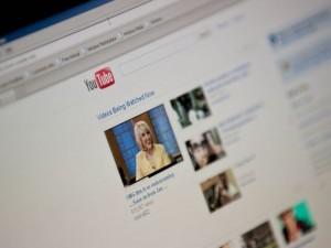 Cách kích hoạt giao diện bí mật của YouTube