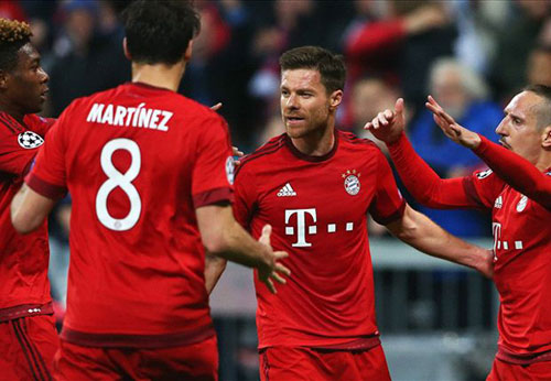 Bị loại, Bayern vẫn san bằng kỉ lục của MU ở cúp C1 - 1
