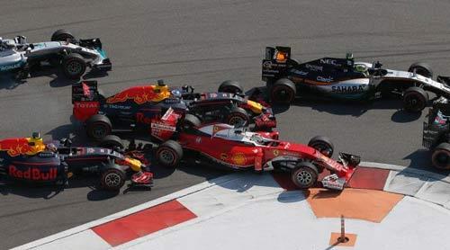 """F1: Để hạ Mercedes, Ferrari phải có """"tốc độ ánh sáng"""" - 1"""