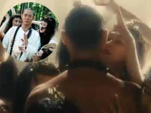 Video: Lý Liên Kiệt bị lột đồ vẫn niệm chú trừ hồ ly