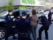 Cựu đô vật tay không hỗn chiến 7 cảnh sát