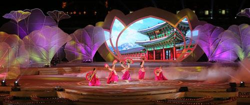 Gần 1 triệu lượt người tham dự Festival Huế 2016 - 11