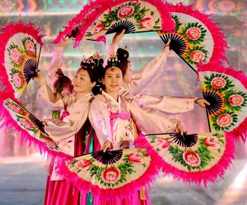 Gần 1 triệu lượt người tham dự Festival Huế 2016 - 7
