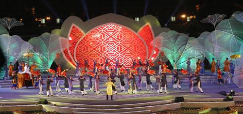 Gần 1 triệu lượt người tham dự Festival Huế 2016 - 8