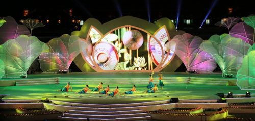 Gần 1 triệu lượt người tham dự Festival Huế 2016 - 9