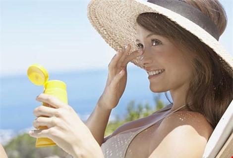 Thiếu nắng gây tác hại như hút thuốc lá - 3
