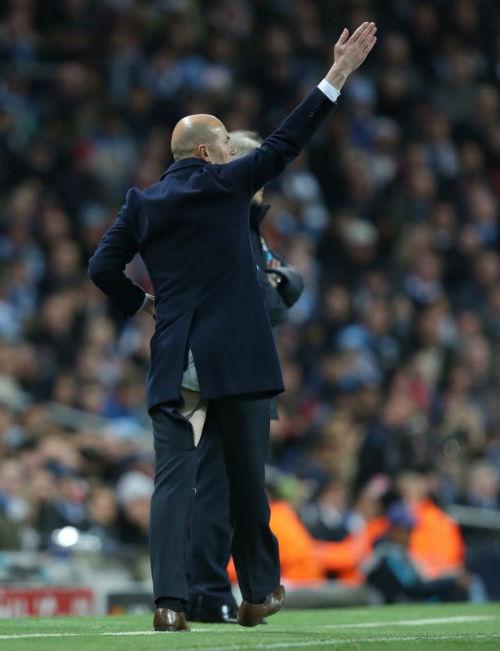 Real: Zidane, vinh quang từ những bài học lớn - 1
