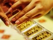 Tài chính - Bất động sản - Vàng tiếp tục lao dốc, tỷ giá ổn định
