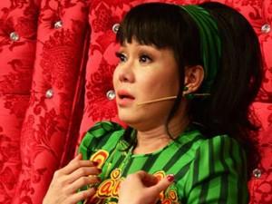 Việt Hương khóc nức nở hối lỗi với con gái