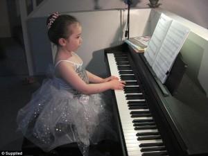 Bé gái 5 tuổi gốc Việt sở hữu trí nhớ siêu phàm gây sửng sốt