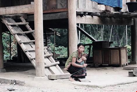 Giải cứu bé gái 4 tuổi bị bắt cóc bán sang Trung Quốc - 1