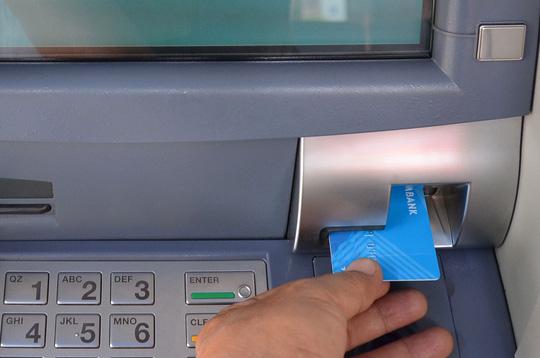 Có nhất thiết phải chuyển đổi thẻ ATM? - 1