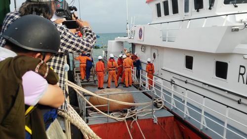 Đẫm nước mắt ngày gặp mặt 34 ngư dân gặp nạn ở Hoàng Sa - 4