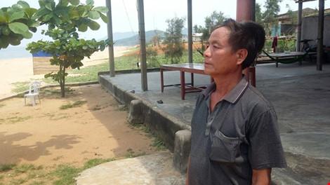 Hà Tĩnh: Ngư dân phát hiện dải nước biển màu đỏ sẫm - 1