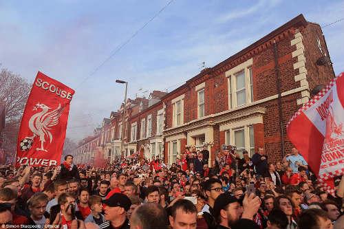 """Liverpool: """"Ăn mày dĩ vãng"""" thành cứu tinh thời loạn - 7"""