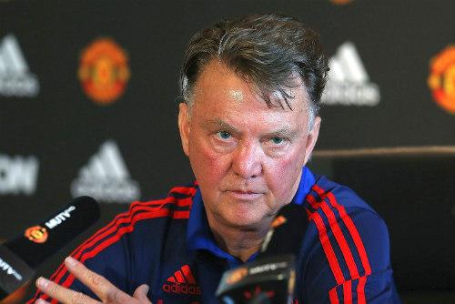 Nếu giữ Van Gaal, MU có thể mất cả Mourinho lẫn Giggs - 2