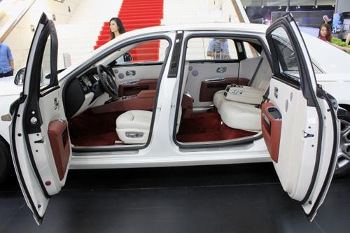 Rolls-Royce Ghost Series II lần đầu tới Hà Nội có gì? - 2