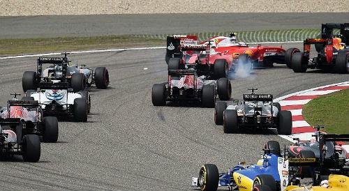 F1 - Russian GP: Bài học đắt giá của Kvyat! - 2