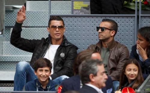 Tin HOT tối 7/5: Ronaldo bị chê bất lịch sự - 1