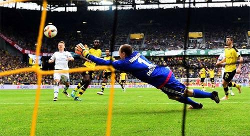 """Hiệu suất ghi bàn: """"Ông lão"""" Totti tốt hơn Suarez, Ibra - 4"""