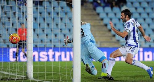 """Hiệu suất ghi bàn: """"Ông lão"""" Totti tốt hơn Suarez, Ibra - 9"""