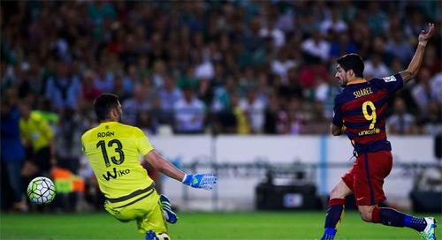 """Hiệu suất ghi bàn: """"Ông lão"""" Totti tốt hơn Suarez, Ibra - 5"""