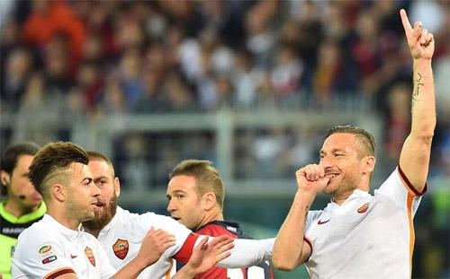 """Hiệu suất ghi bàn: """"Ông lão"""" Totti tốt hơn Suarez, Ibra - 1"""